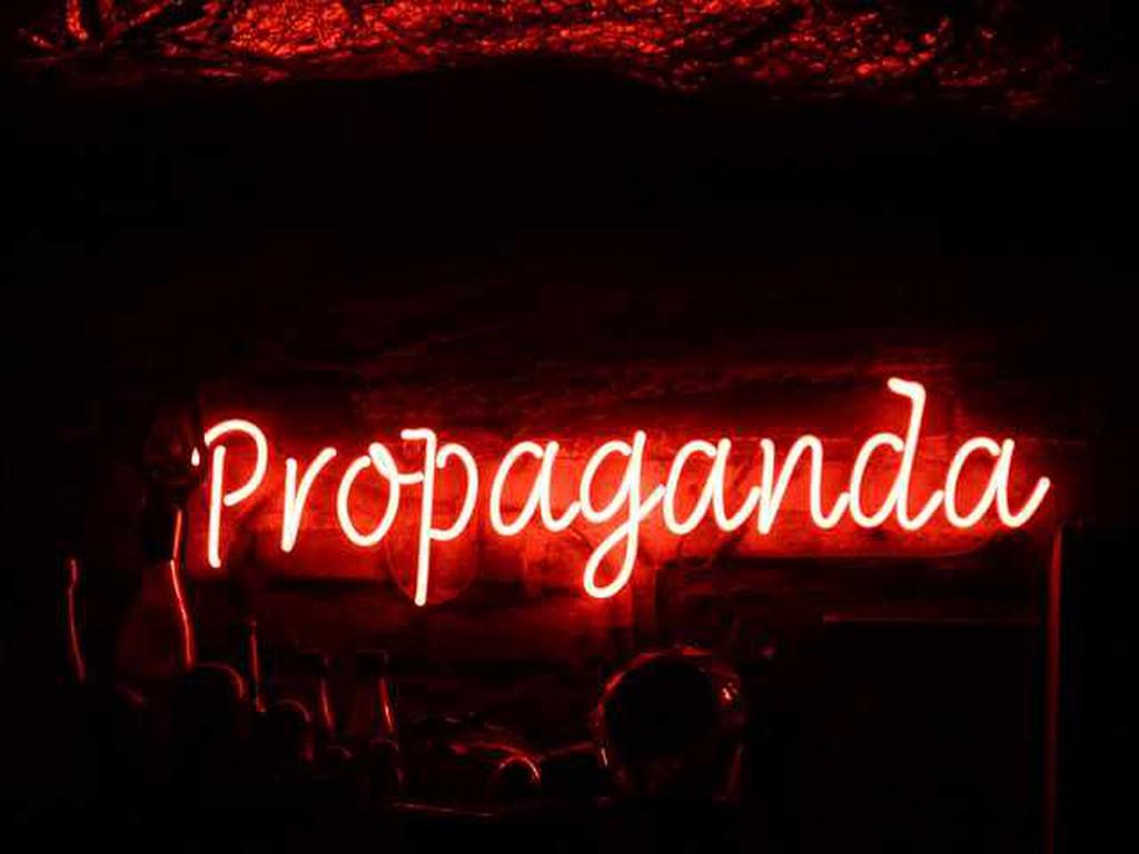 Propaganda bar