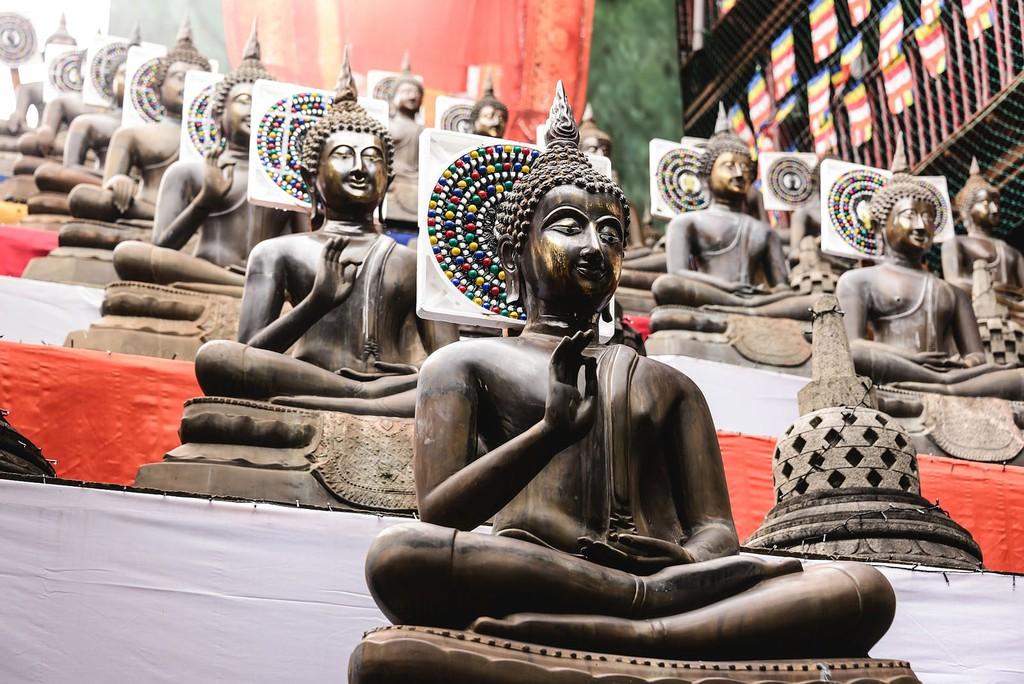 Buddhas in Gangaramaya Temple