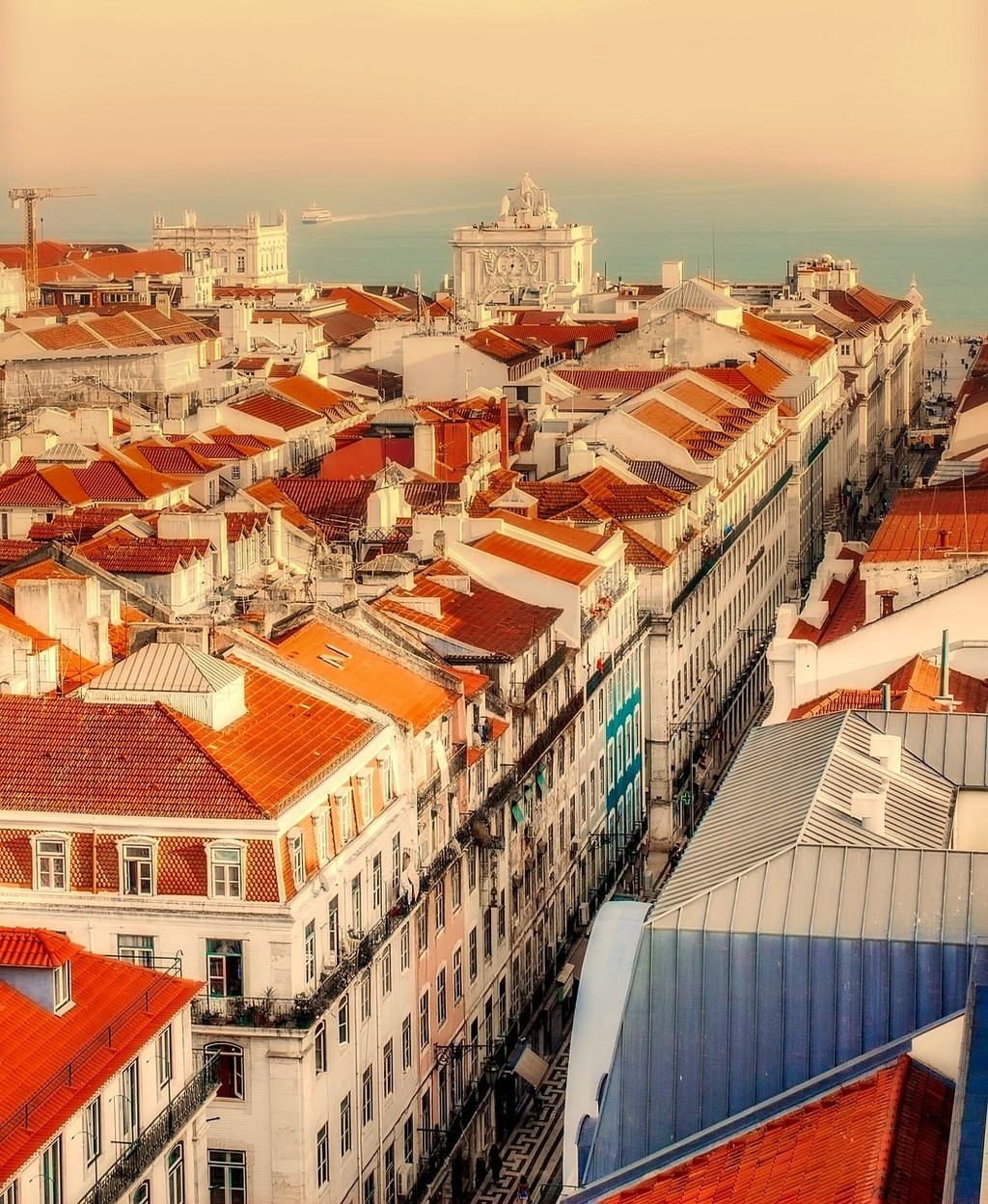 lisbon-2470931_1280