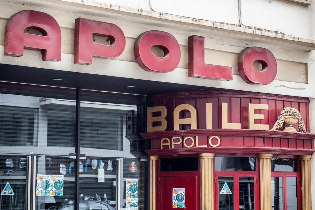 Sala de concertos de música de fachada baile Apolo, Avenua Paral.lel, Barcelona.