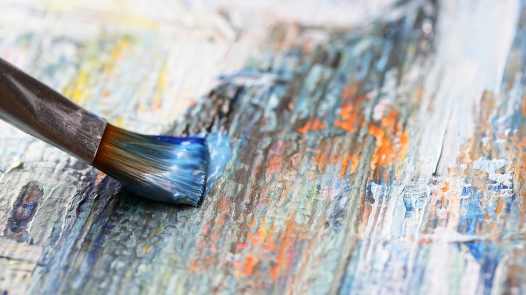 Closeup of brush and palette | ©Denis Kuvaev/Shutterstock