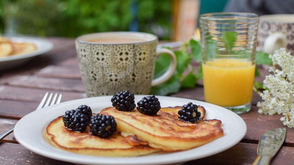 Blackberry Pancake  Brunch   © ugglemamma/ Pixabay
