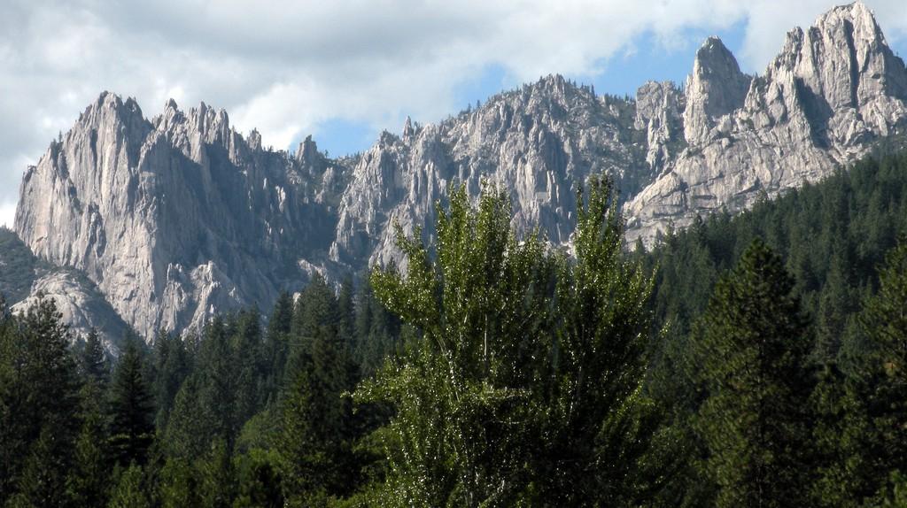 California's Castle Mountain ©Paul Hamilton