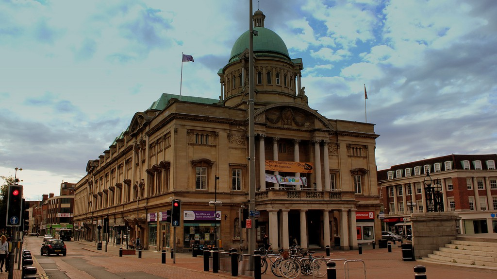 Hull Town Centre © calflier001