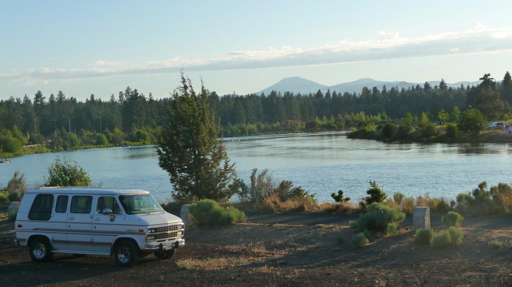 Deschutes River, Bend, Oregon © Joshua Schreiner