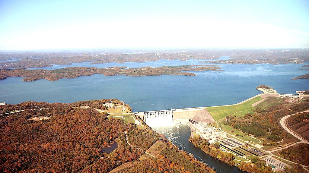 Aerial Photo of Table Rock Lake in Branson, Missouri © KTrimble/WikiCommons