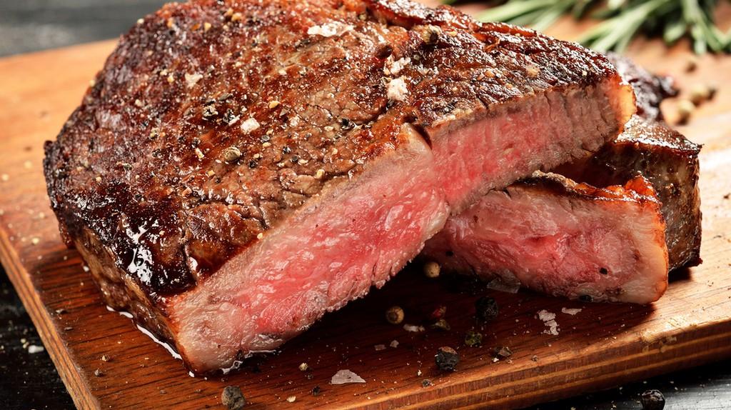 Prime Black Angus Ribeye steak   © Davidchuk Alexey/Shutterstock