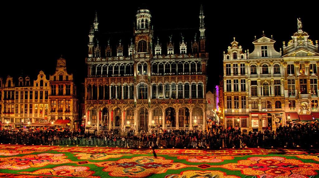 Grand Place, Brussels |© www.GlynLowe.com/Flickr
