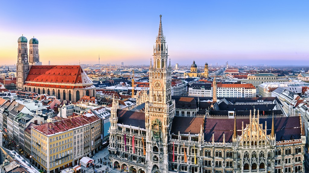 Panorama view of Munich city center  | © Mapics/Shutterstock