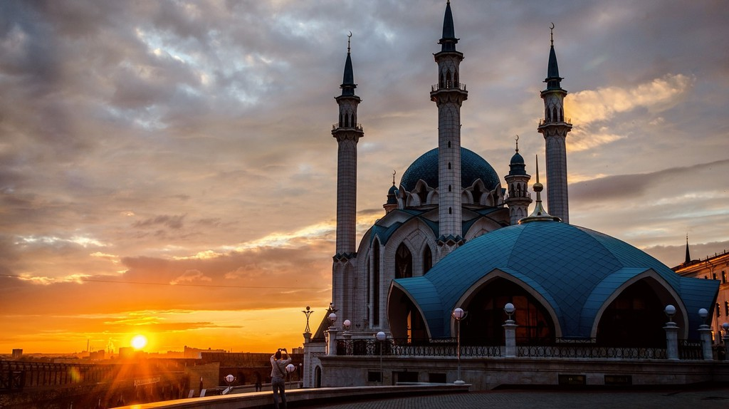 Sunset over the Kul Sharif Mosque