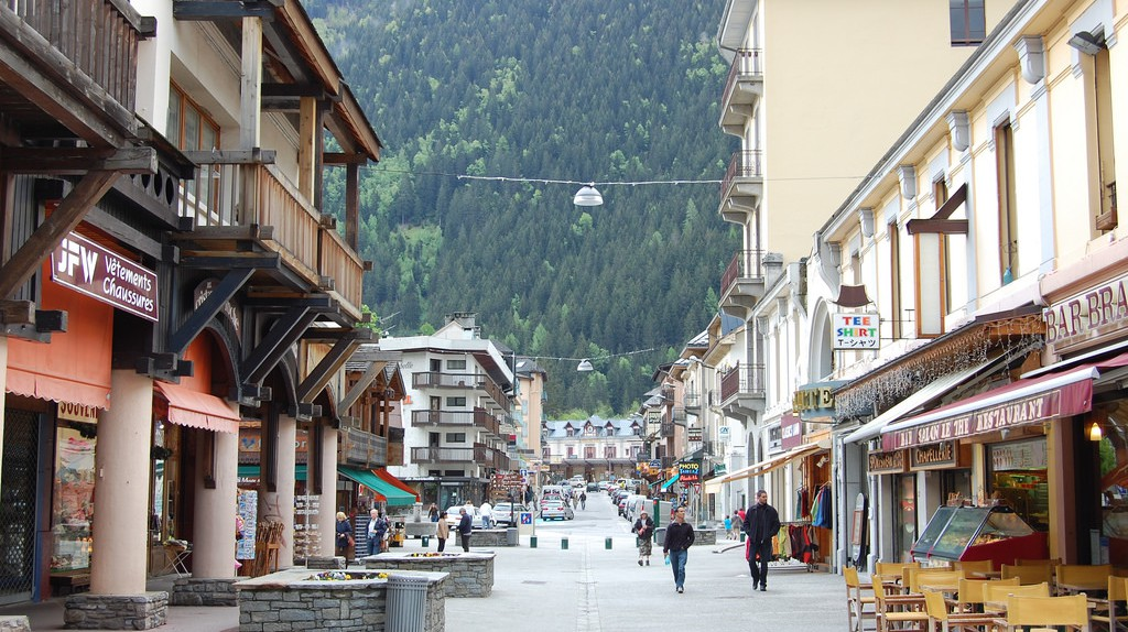 Streets of Chamonix  © edwin.11/Flickr