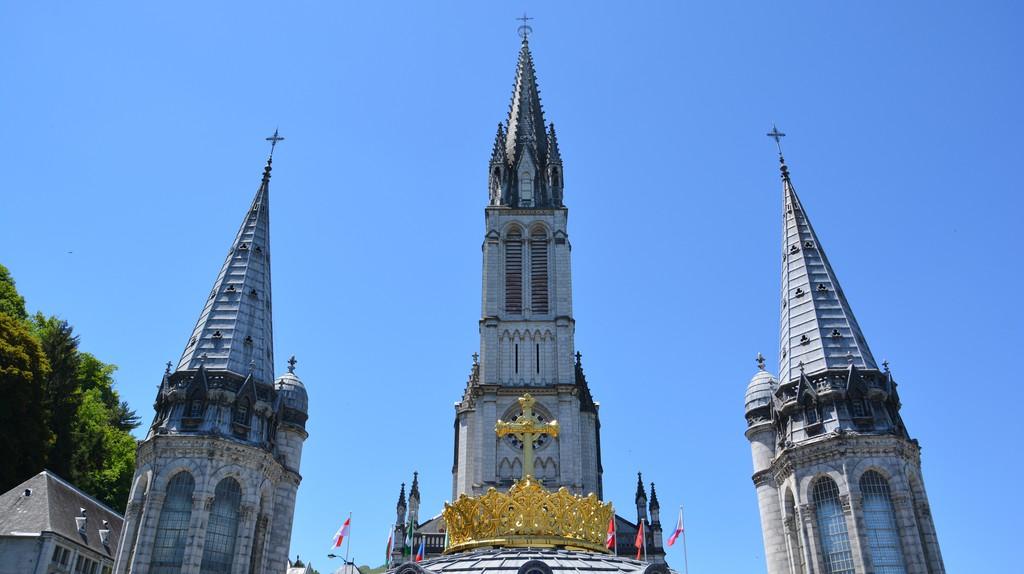 Lourdes - Rosenkranzbasilika   © lackystrike / flickr