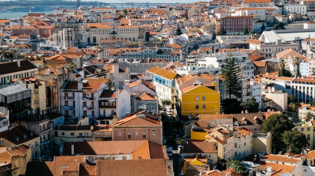 The view from Miradouro da Graça