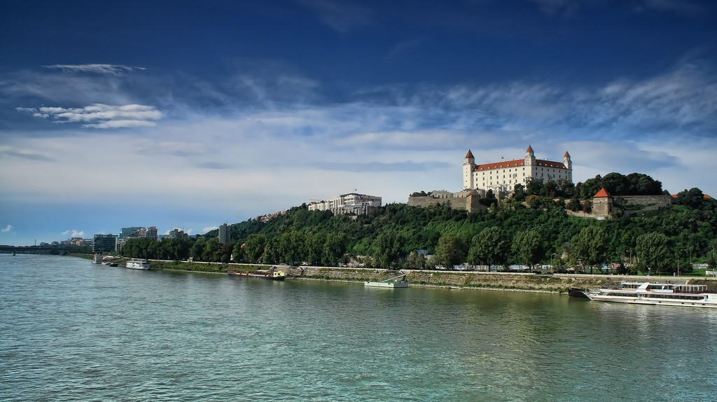 The Danube River and the Bratislava Castle | © Peter89ba/Pixabay