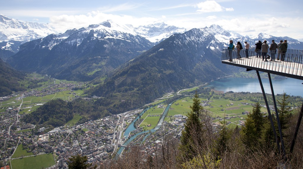 Interlaken Viewing Platform | © Kosala Bandara/Flickr