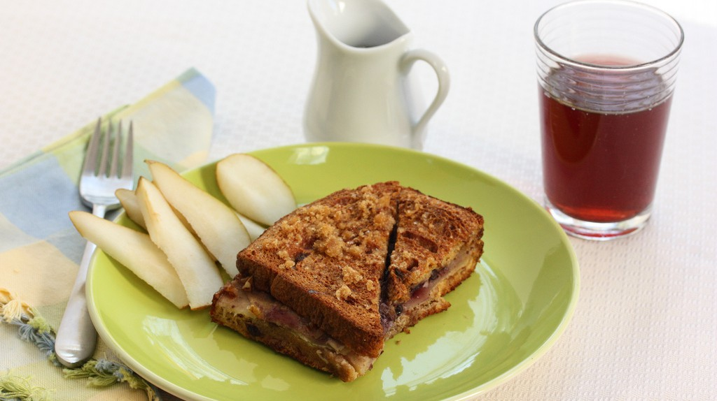 Overnight French Toast | ©  Meal Makeover Moms/Flickr
