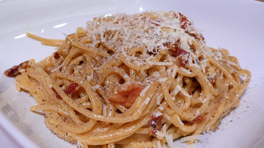 Classic-spaghetti-carbonara  [ © Ed Hawco/Wikimedia ]