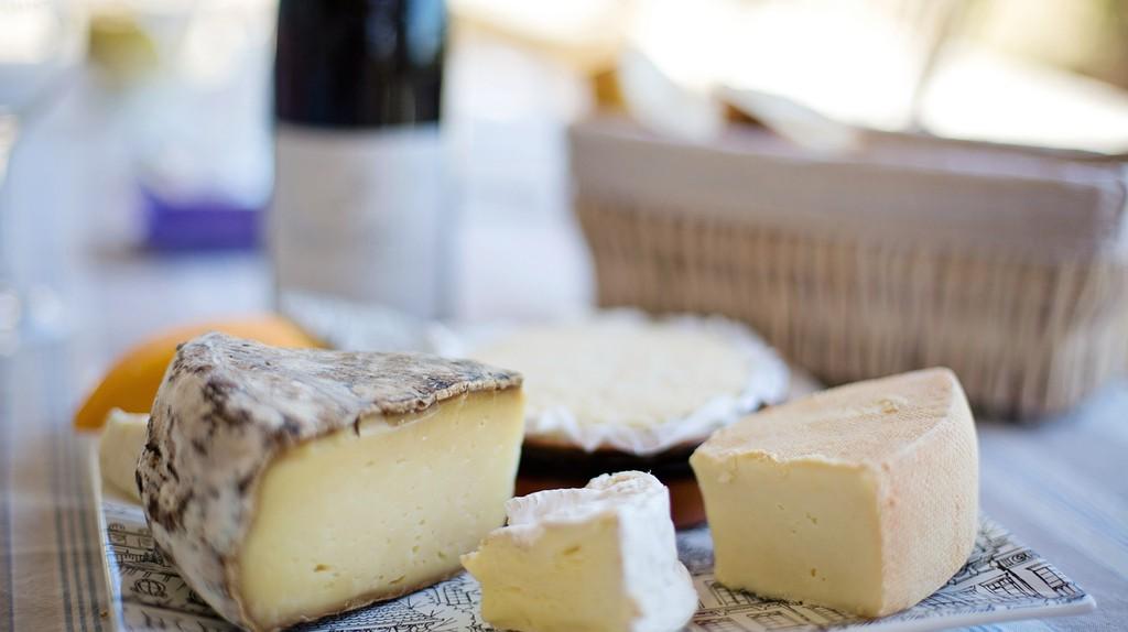 Cheese and wine| © Pixabay