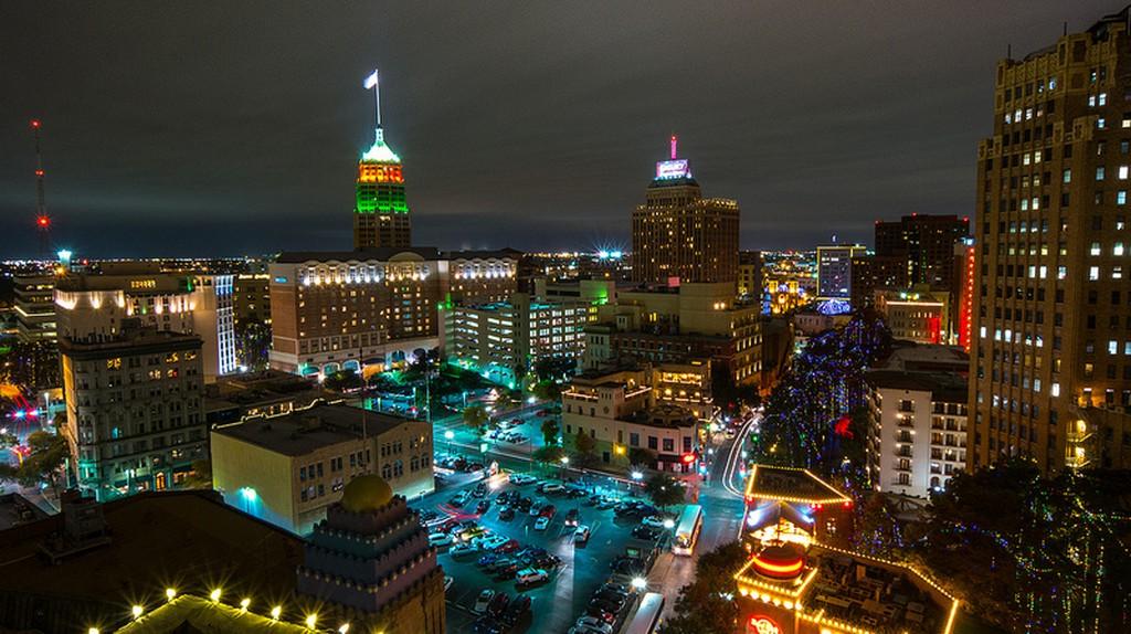 San Antonio Skyline   © Nan Palmero/Flickr