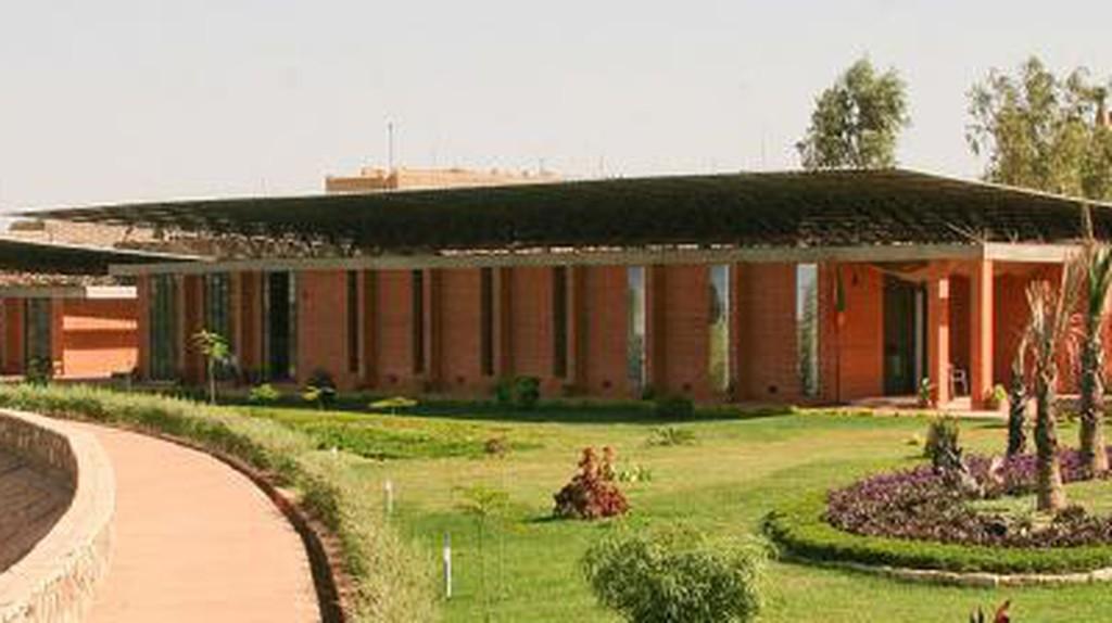 Diébédo Francis Kéré: Sustainable Architecture in Burkina Faso