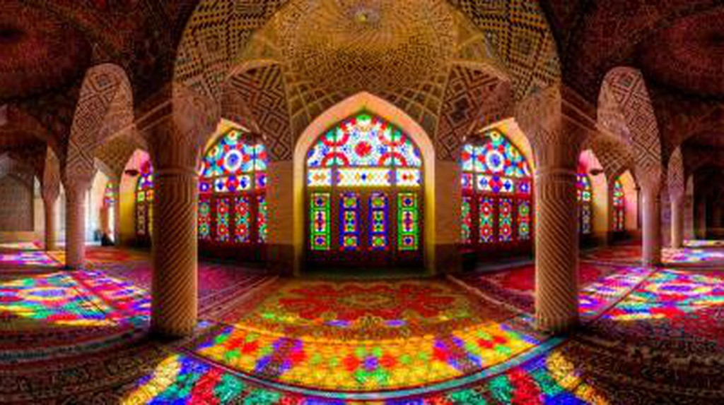 Shiraz's Architectural Wonders: From Pink Mosque to Garden of Heaven