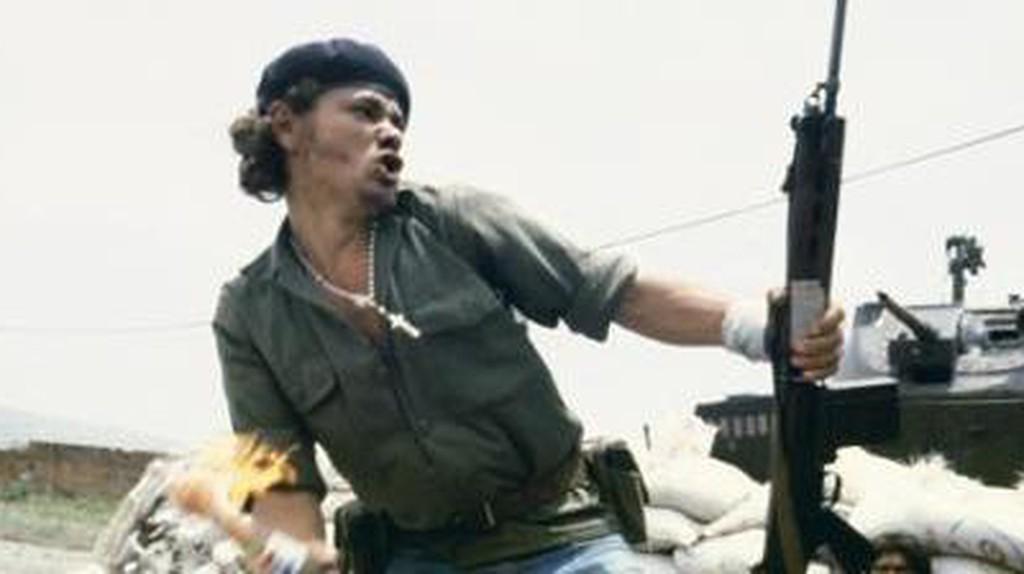 Susan Meiselas Photographs The Nicaraguan Revolution