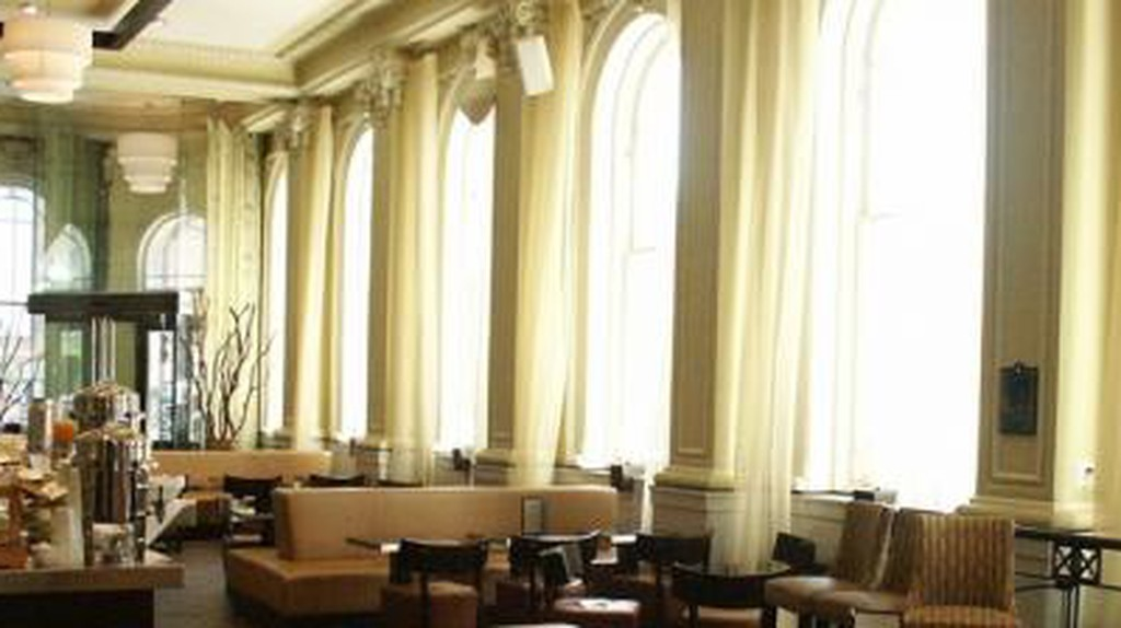 The 10 Best Restaurants In Old Montreal, Canada