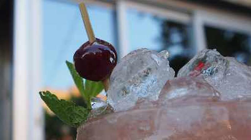 The 10 Best Bars In Rosemont Petite, Montreal