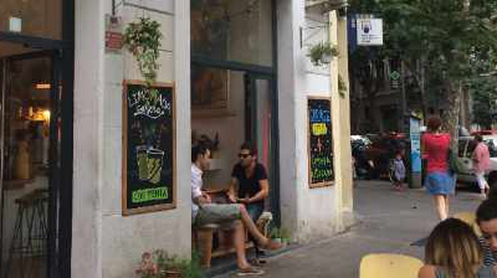 Top 10 Restaurants And Bars On Calle Parlament, Barcelona