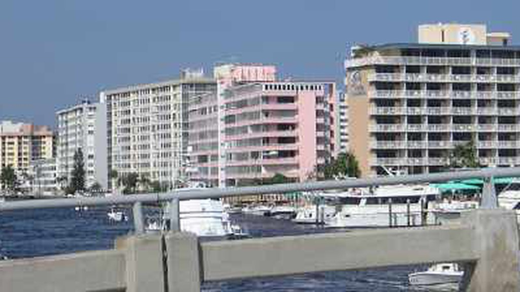 Top 10 Places To Eat In Pompano Beach, Florida