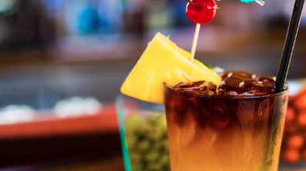 The 10 Best Bars In Honolulu, Hawaii