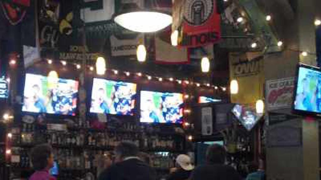The 10 Best Bars In Queen Anne, Seattle