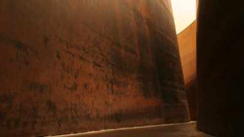 The 5 Best Art Works by Richard Serra and Where To See Them