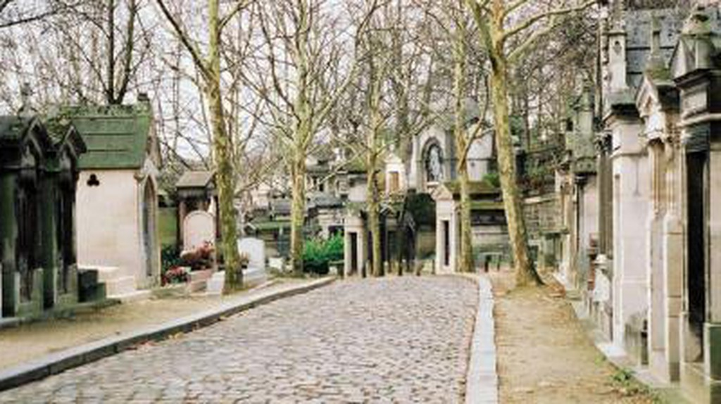 The 10 Unforgettable Graves to See In Père Lachaise Cemetery