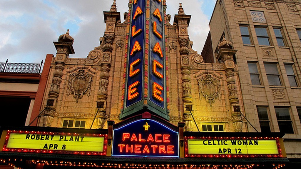 Louisville Palace Theater © frankieleon/Flickr