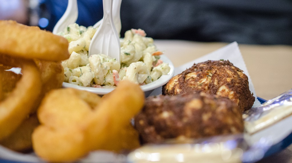 10 Places To Find The Best Crab Cakes In Maryland
