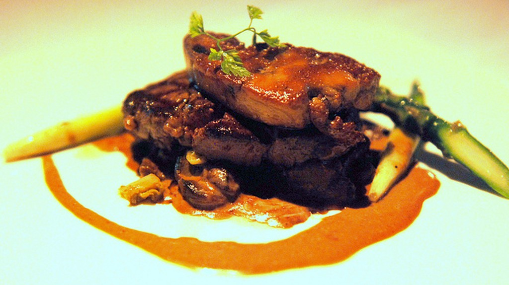 Beef Tenderloin with Foie Gras   ©TummyRumble/Flickr
