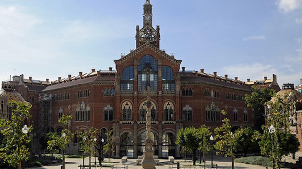 Lluís Domènech i Montaner's Hospital de Santa Creu i Sant Pau   © Son of Groucho/flickr