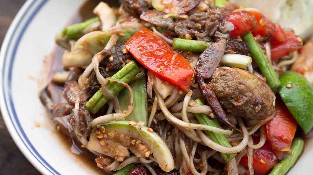 Som Tam Lao, or Green Papaya Salad   © Takeaway/WikimediaCommons