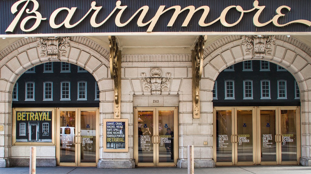 Betrayal at Barrymore © Dennis Beck/Broadway Tour/flickr
