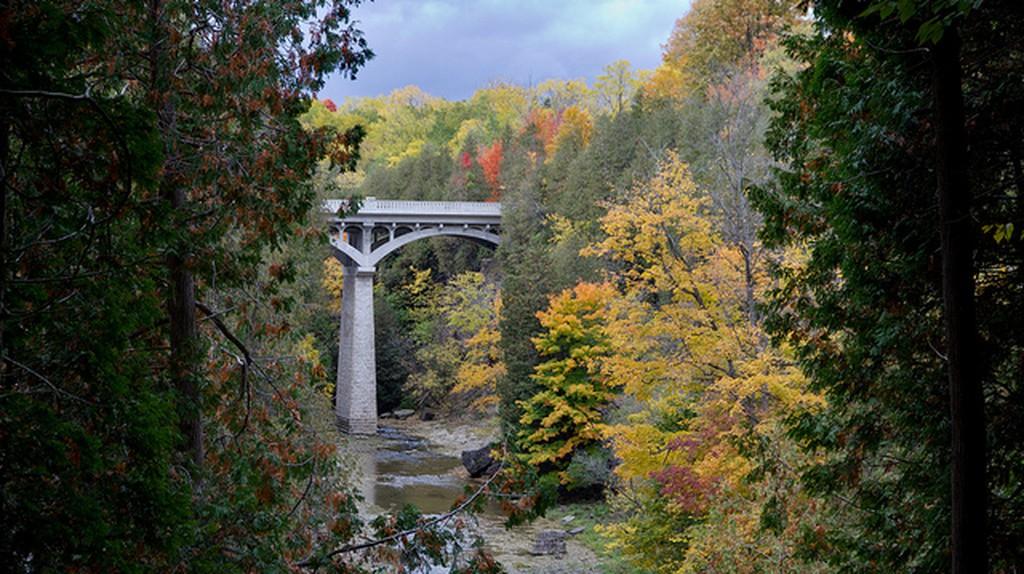 Fall Colors in the Elora Gorge | © Artur Staszewski/Wikicommons