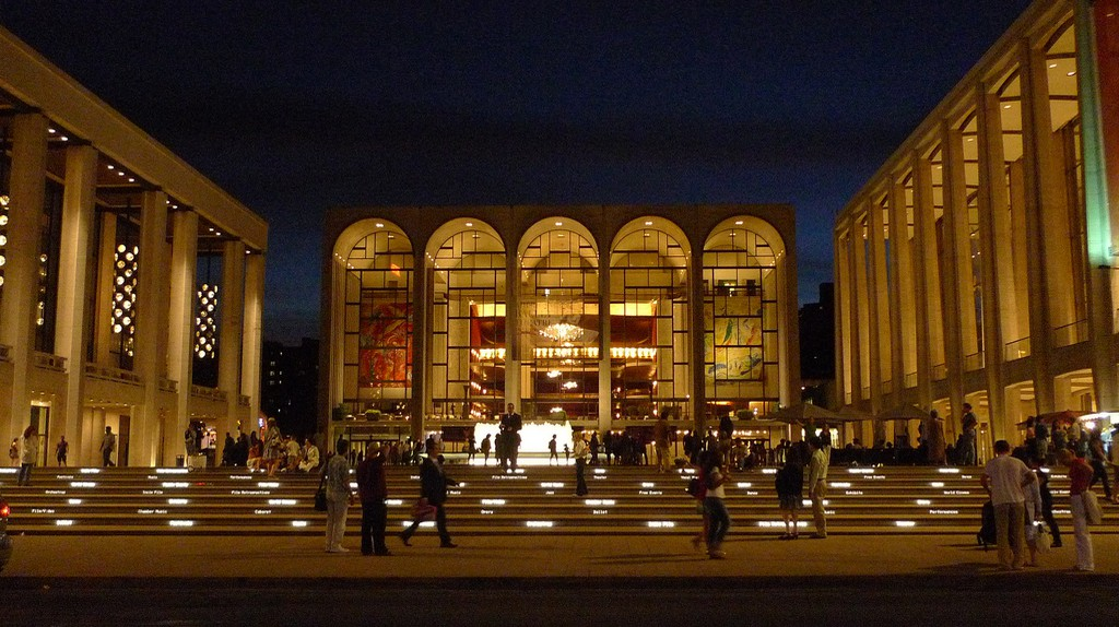 Lincoln Center | © Chun-Hung Eric Cheng/Flickr