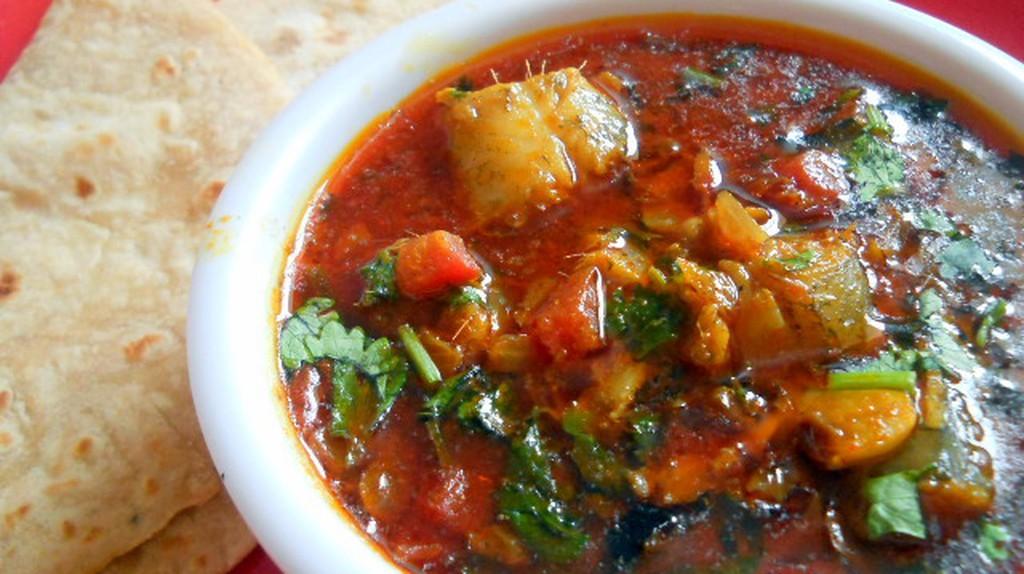 Bombay Duck Curry   © Maria Gonsalves, flavorsofmumbai.com