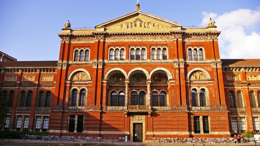 Victoria and Albert Museum   © Christine Matthews/Geograph