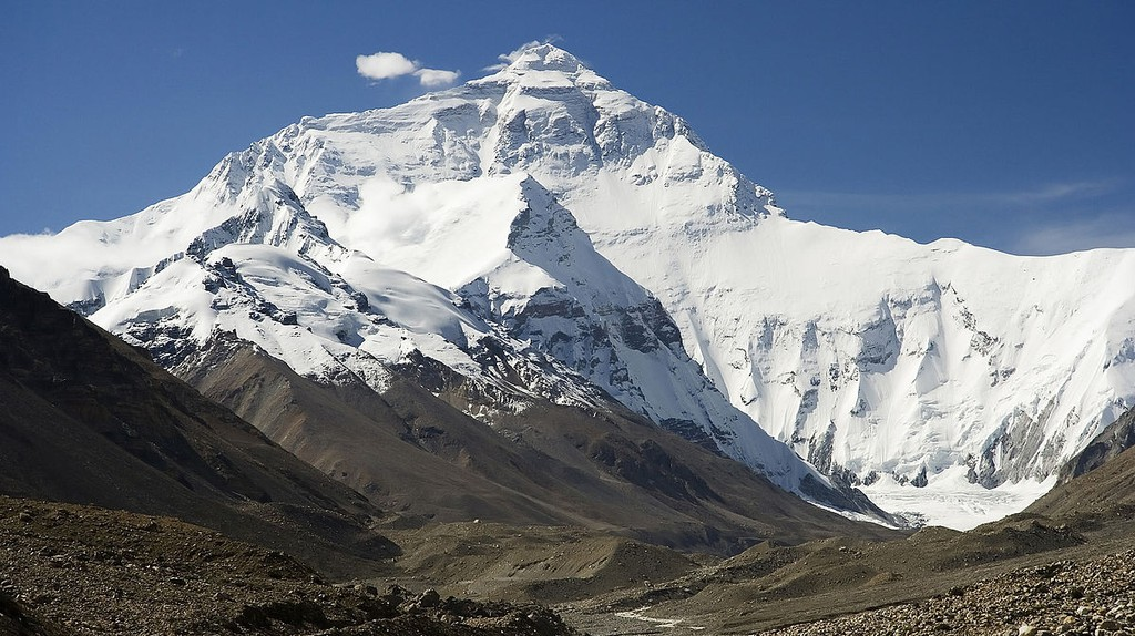 Mount Everest North Face © Luca Galuzzi/Wikicommons