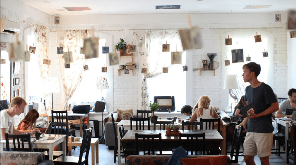 Ziferblat, one of the first Anti-cafés | © Vanmeetin/WikiCommons