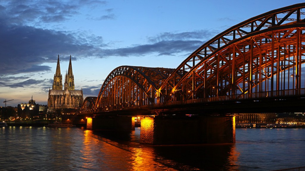 Understanding Cologne's Local Dialect