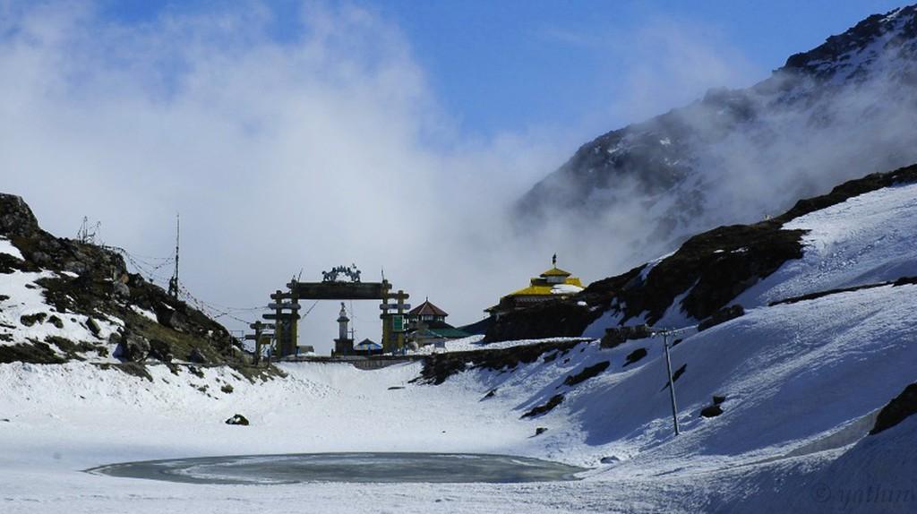 Snow Clad Mountains, Arunchal Pradesh | © Yathin S Krishnappa/WikiCommons