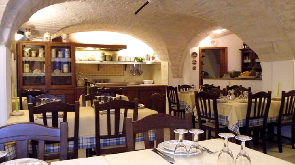 Inside Ristorante La Cantina | Courtesy of Ristorante La Cantina