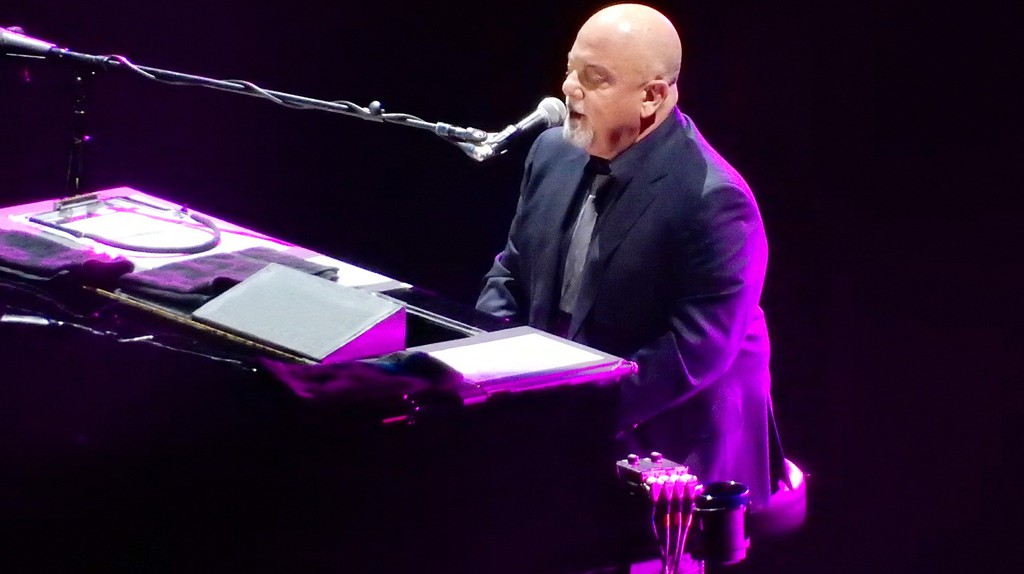 Billy Joel at Madison Square Garden | © slgckgc/Flickr